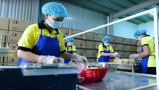 Việc miễn thuế TNCN sẽ hỗ trợ thiết thực nhất đến cuộc sống của người lao động /// Ảnh: Hoàng Giáp